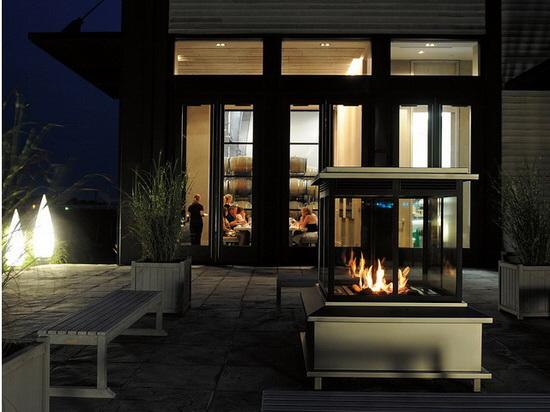 Stratus fireplace