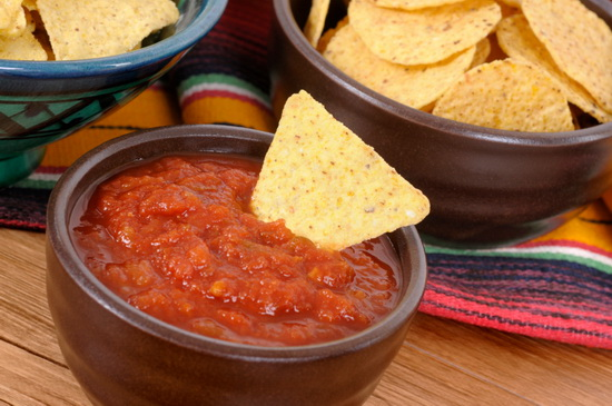 Mexican nachos and tomato salsa