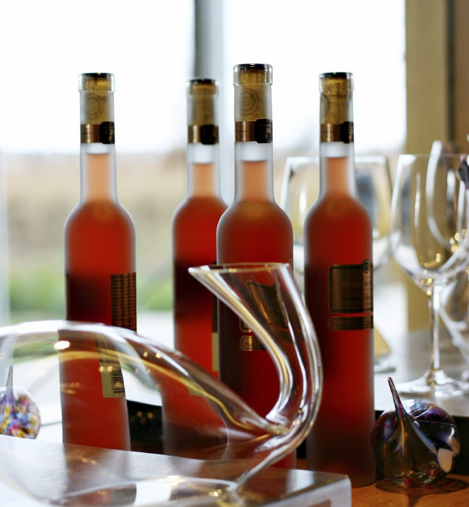 icewine red bottles decanter cropped xl