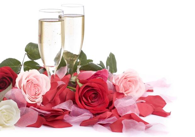 roses champagne flutes B