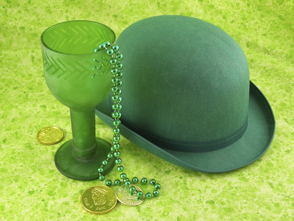 Sparkly green chalice with bowler hat and gold coins