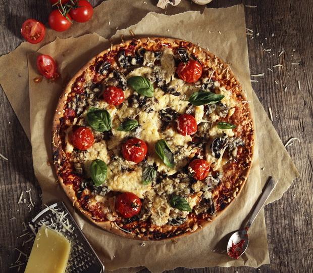 pizza tomato basil 620
