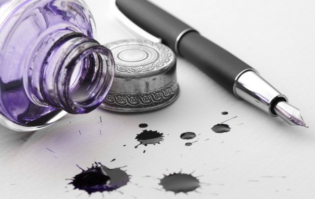 purple ink pot with pen 630