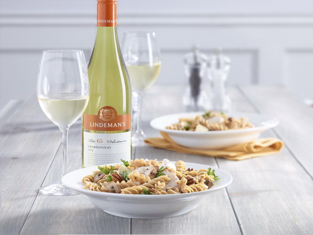 lindemans-catelli-white-wine-1