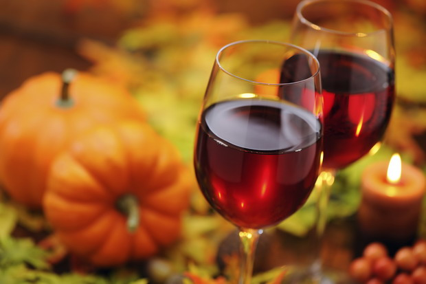 fall-wine-2-close-red-glasses-620